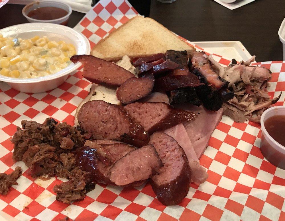 Slap N' Good BBQ & Catering: 104 N Hwy 274, Kemp, TX