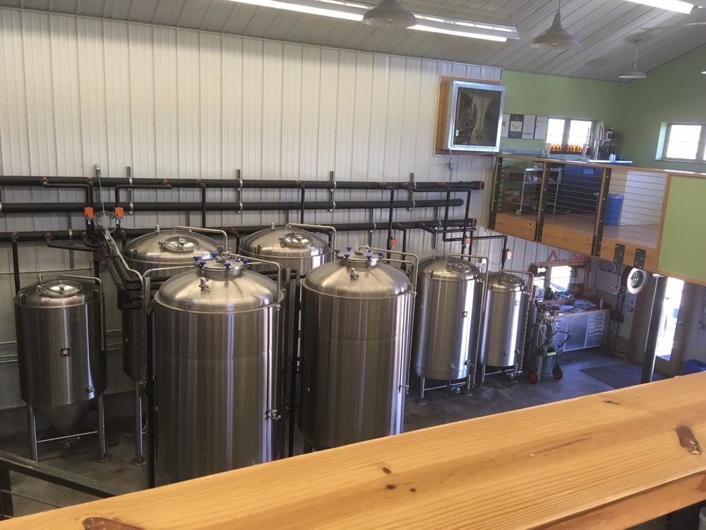 Rolling Meadows Brewery: 3954 Central Point Rd, Cantrall, IL