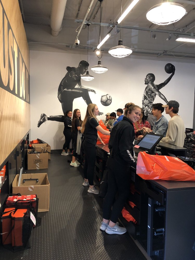 Team Nike Girls Rock with Great Customer Service!! The Best