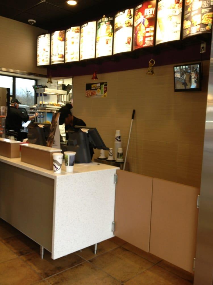 Taco Bell: 160 Springville Station, Springville, AL