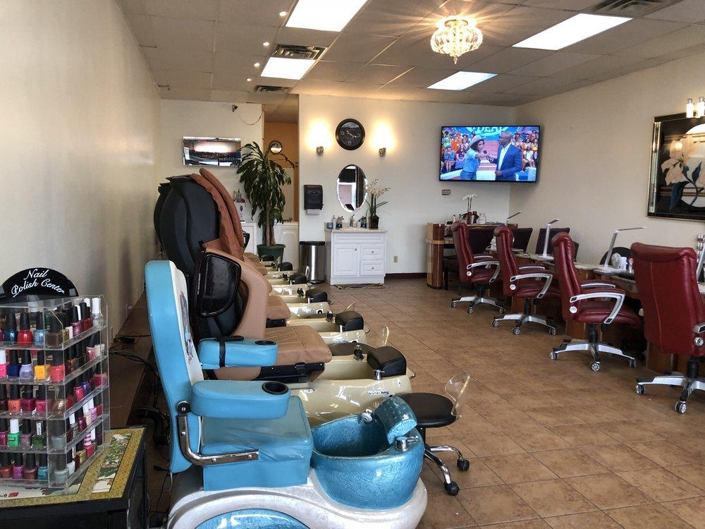Nail pros 136 photos 12 reviews nail salons 505 e for A nail salon fort wayne in