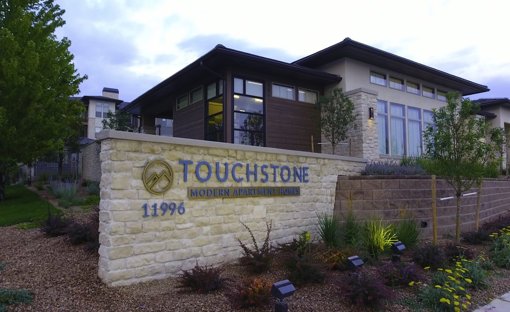Touchstone modern apartment homes 22 photos flats for Touchstone homes