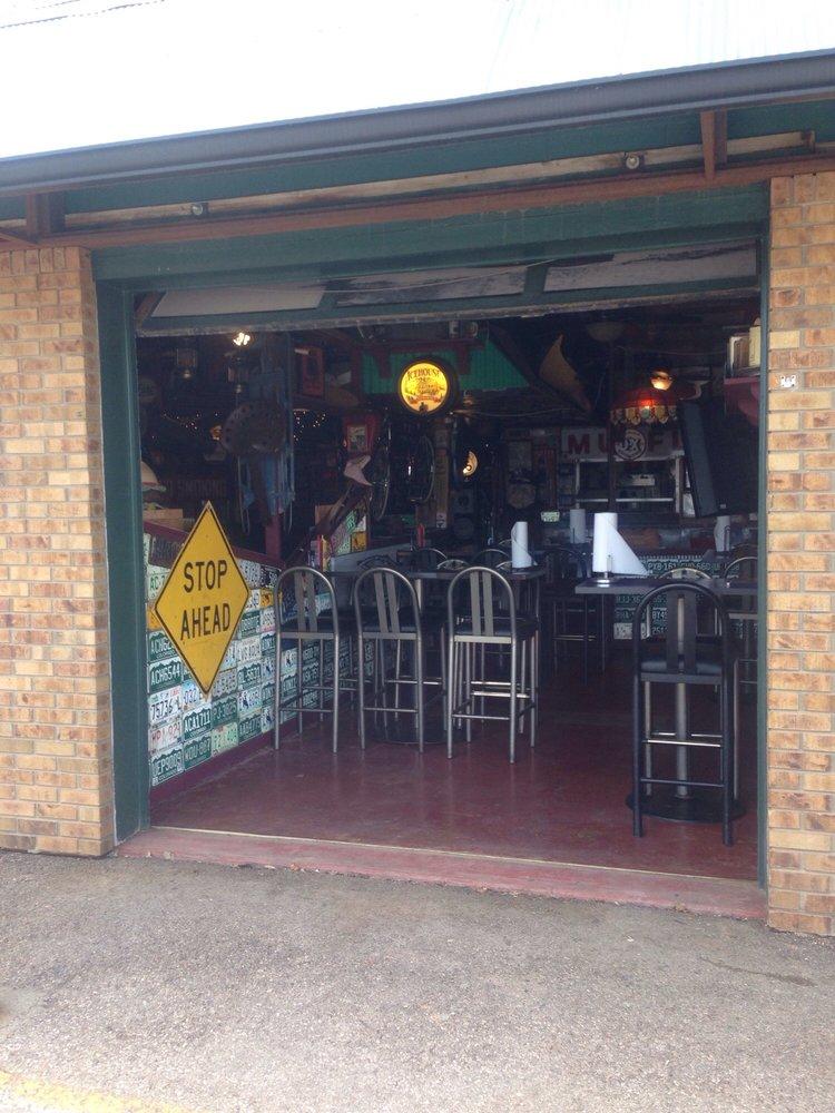 Sanfords Grub Pub 12 Photos 44 Reviews Pubs 545 W Jackson