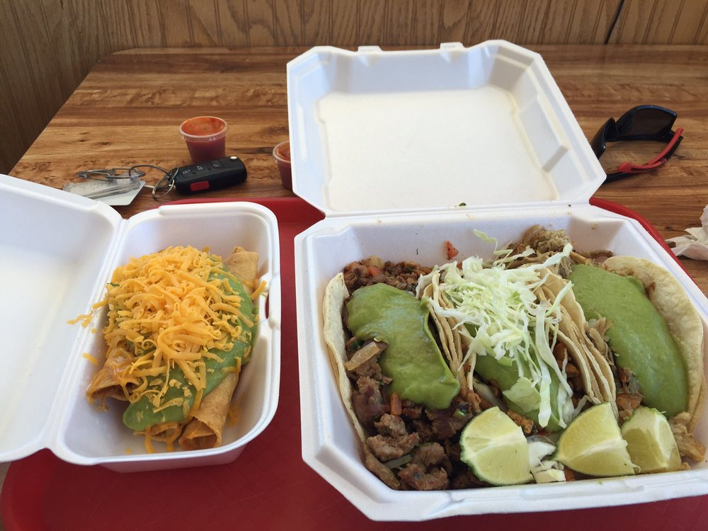 Jilbertos Mexican Food: 1010 E Main St, Wellington, UT