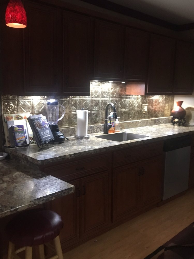 Kitchen Saver: 542 Industrial Dr, Lewisberry, PA
