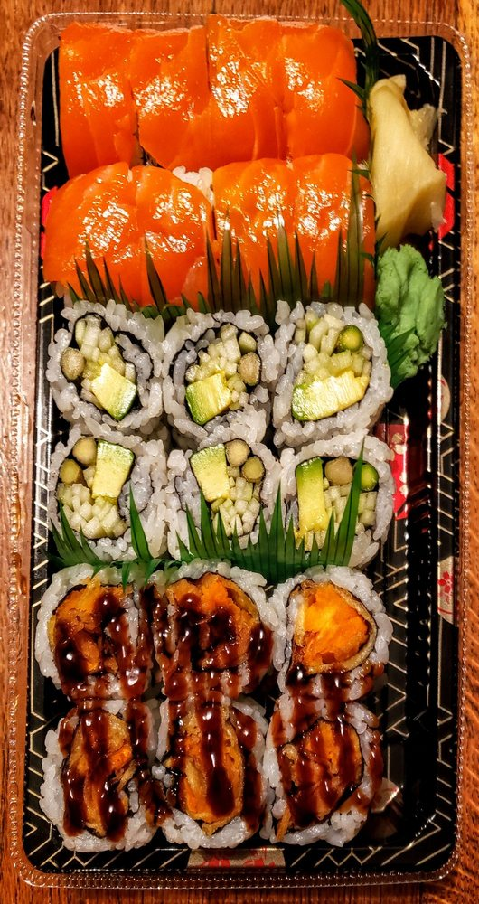 Food from Dragon Sushi