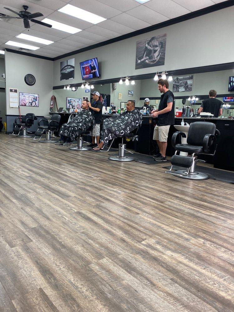 Matt's Barber Shop: 4684 Co Rd 540A, Highland City, FL