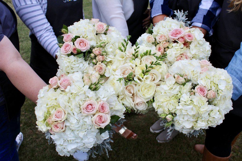 Flowers With Friends: Metairie, LA