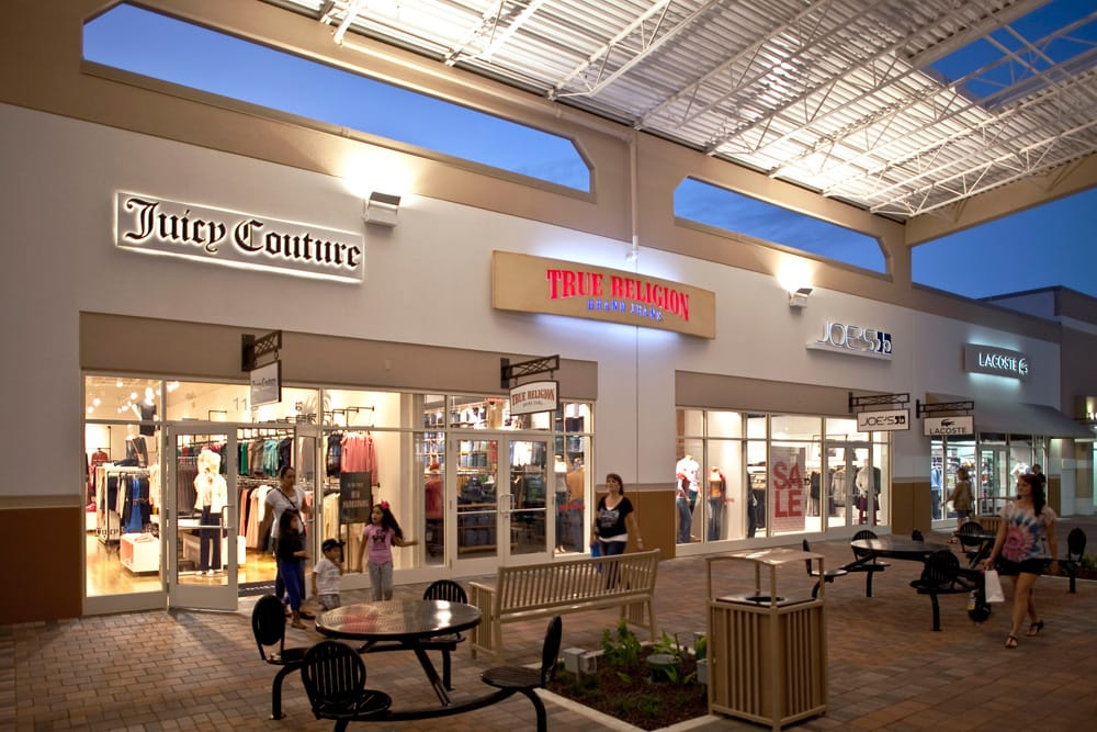 Grand Prairie Premium Outlets is an outlet center located in, Texas. The center is owned by Premium Outlets, a subsidiary of Simon Property Group, and takes its name from the town in which it is located/5(36).