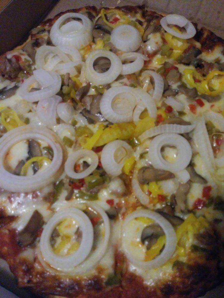 Paul's Restaurant & Pizza: 13519 Phelps 632 Rd, Phelps, KY