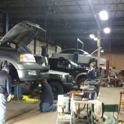 My mechanics place diy auto shop 35655 plymouth rd livonia photo of my mechanics place livonia mi united states clean and friendly solutioingenieria Image collections