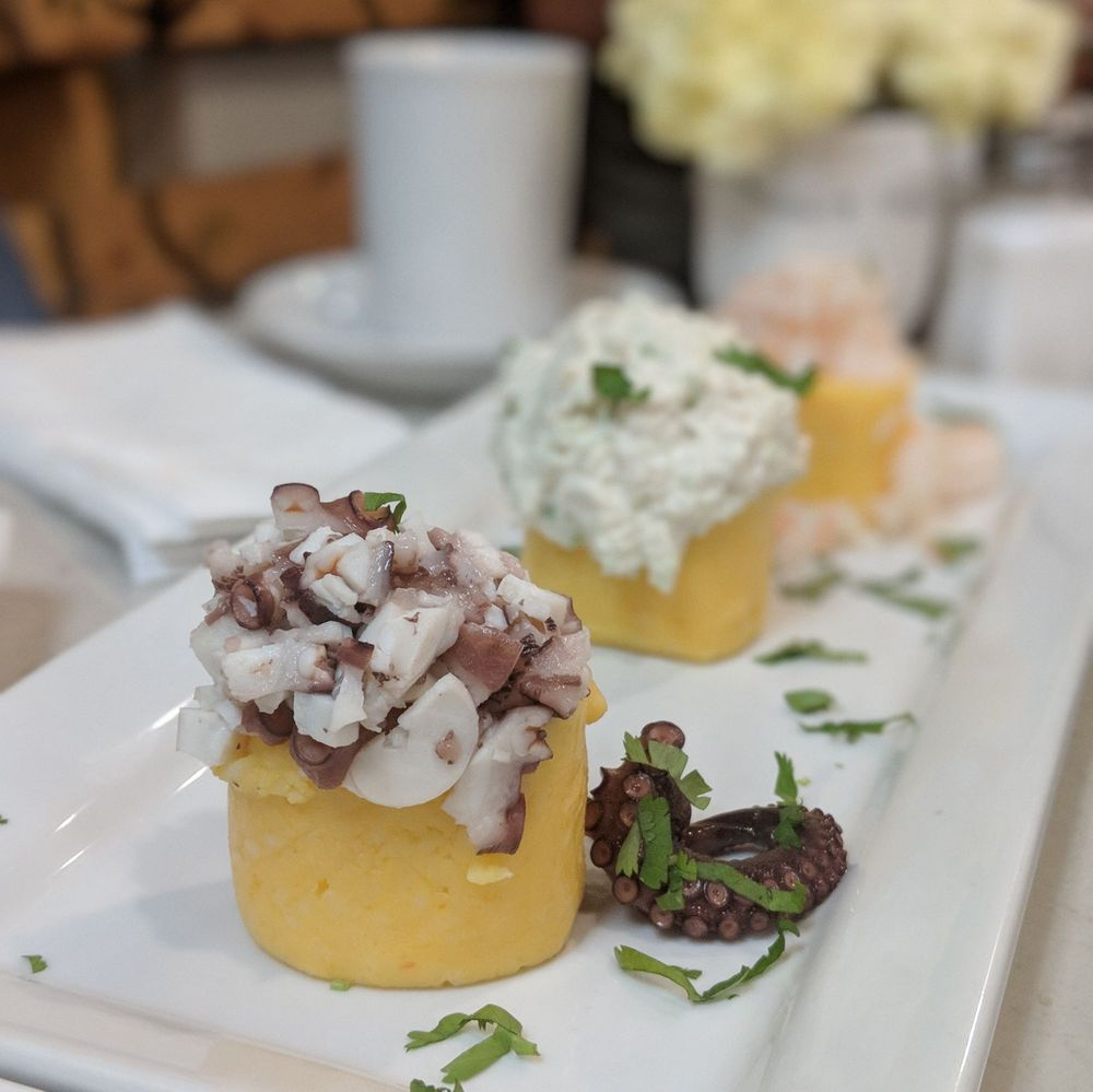 Lonzo's Bread & Peruvian Eatery