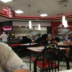 Steak n shake 21 fotos 15 beitr ge amerikanisches for Steak n shake dining room hours