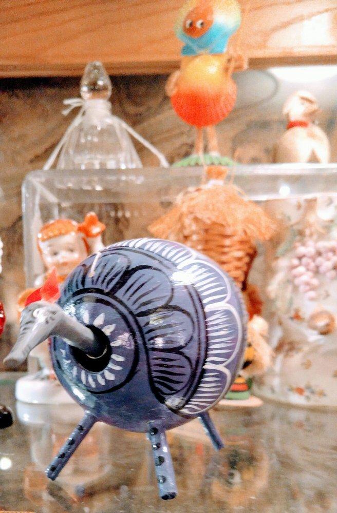JunkerVals Antiques & Vintage