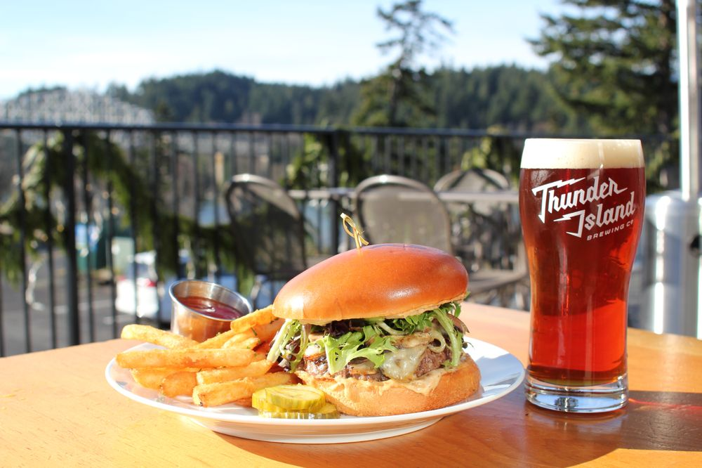 Thunder Island Brewing: 601 NW Wa Na Pa St, Cascade Locks, OR
