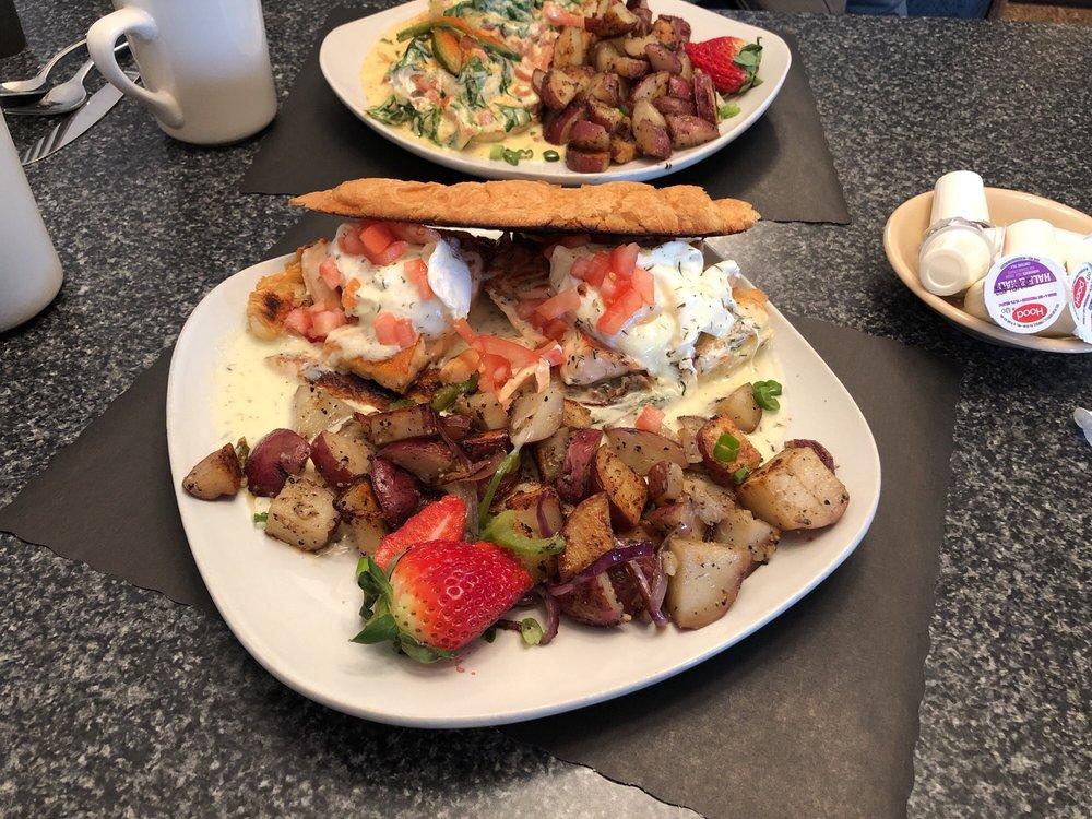 Piper Bay Cafe: 129 Murrysville Rd, Trafford, PA