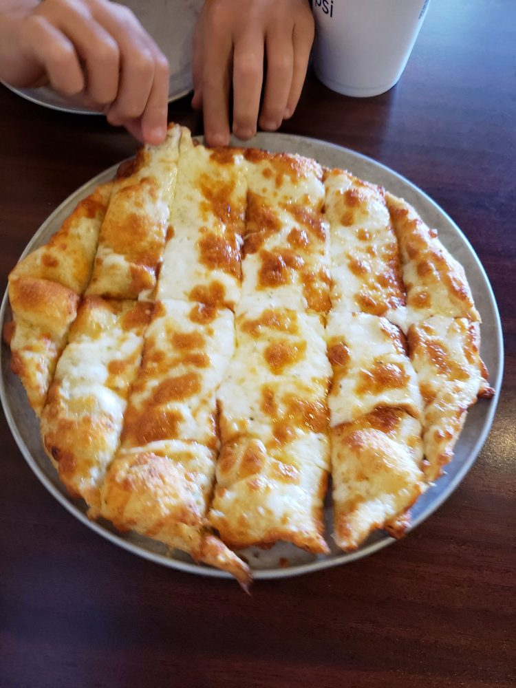 Pappas Pizza Pi: 214 E Marion Ave, Crystal Springs, MS
