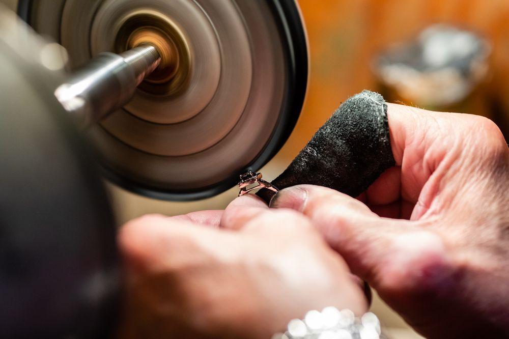 Lane Jewelers: 79 Pine St, New York, NY