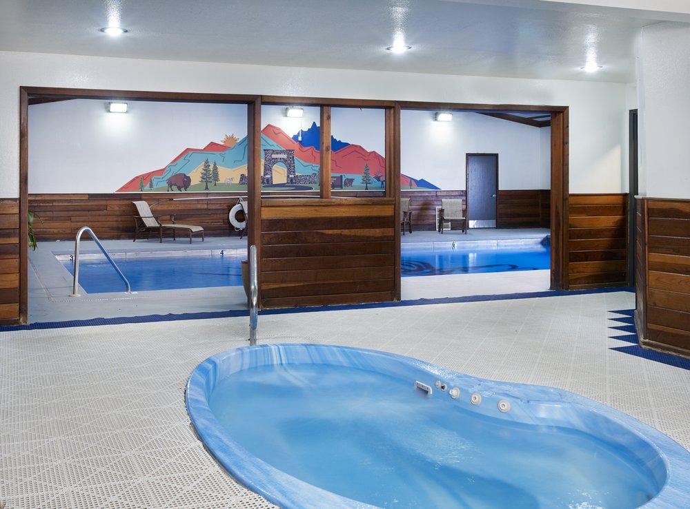The Ridgeline Hotel At Yellowstone Ascend Hotel Collection: 905 Scott St W, Gardiner, MT
