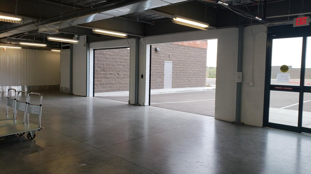 Storage At Anthem: 39922 N Gavilan Peak Pkwy, Anthem, AZ