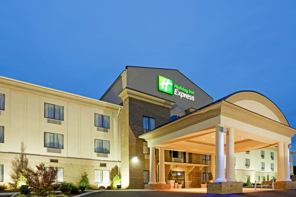 Holiday Inn Express Troutville - Roanoke North: 3200 Lee Hwy S, Troutville, VA