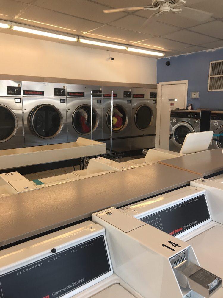 Betty's Laundry: 626 S Jackson Ave, Joplin, MO