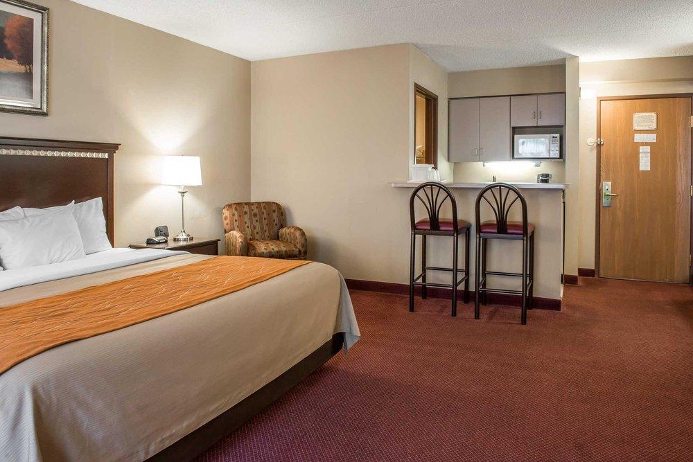 Comfort Inn: 106 Bair Blvd, New Stanton, PA