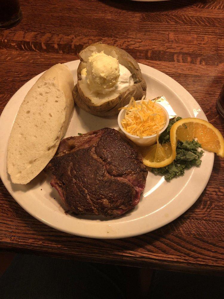Quincys Steak & Spirits: 138 Adams St, Monte Vista, CO