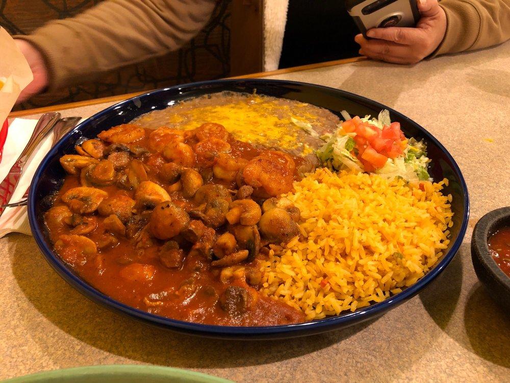 Garcia's Mexican Restaurant & Cantina: 321 Auburn Way N, Auburn, WA