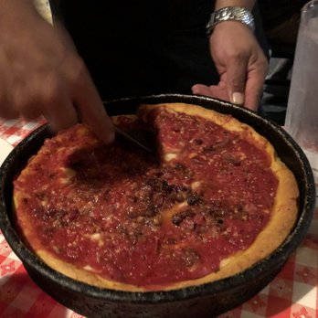 Ginos East Magnificent Mile 1790 Photos 2140 Reviews Pizza