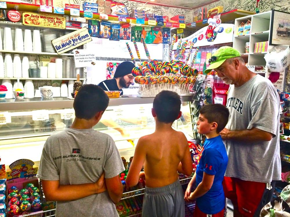 The Candy Kitchen: 13711 Gulf Blvd, Madeira Beach, FL