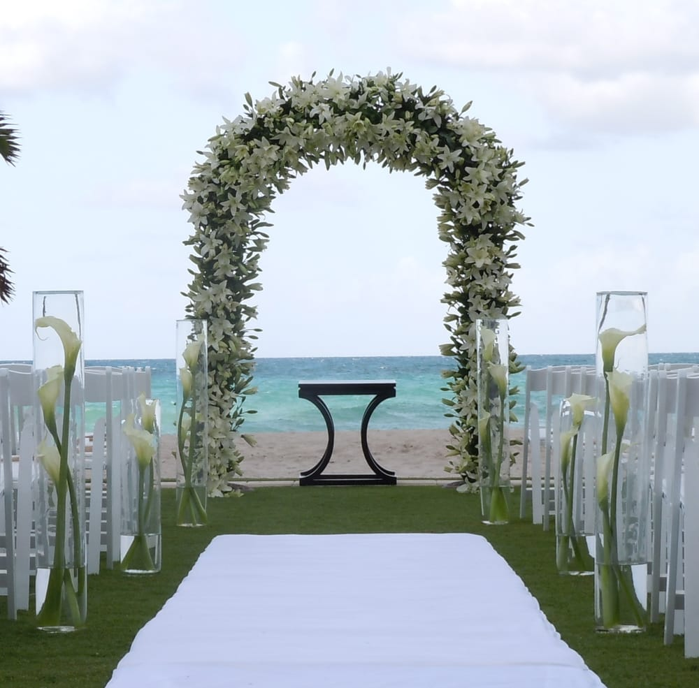 Beach House Rentals In South Beach Miami: Wedding Arch Rental Miami By Www.ArcDivine.com 954-3`9