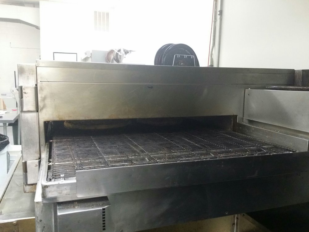 Big Bob's Pizza: 6681 Bristol Hwy, Piney Flats, TN