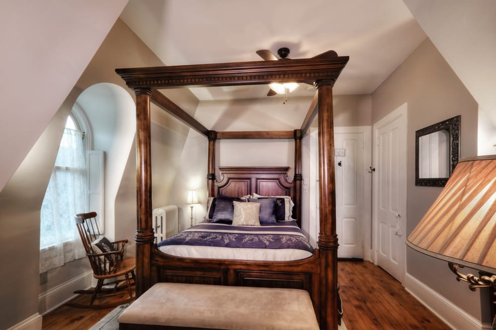 Our Fair Lady Bed & Breakfast: 313 E Linn St, Bellefonte, PA