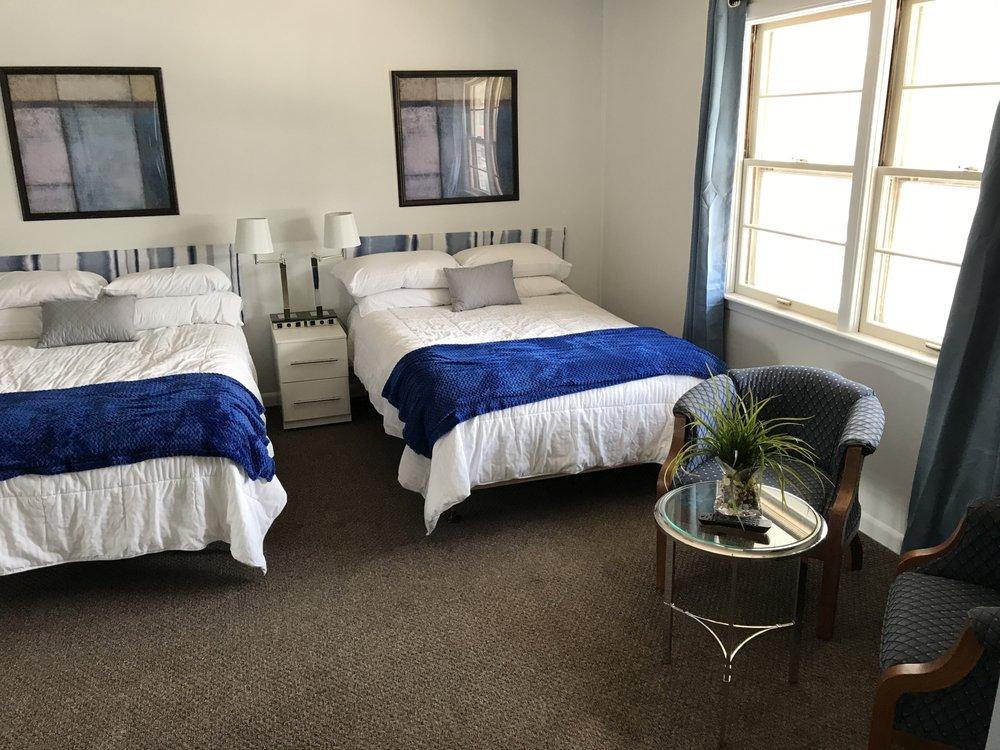 Green Lake Suites: 488 South St, Green Lake, WI