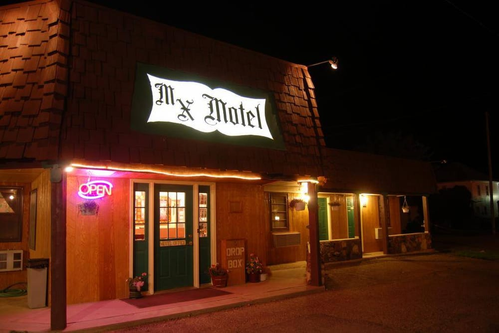 M X Motel: 113 Washington Ave, Chester, MT