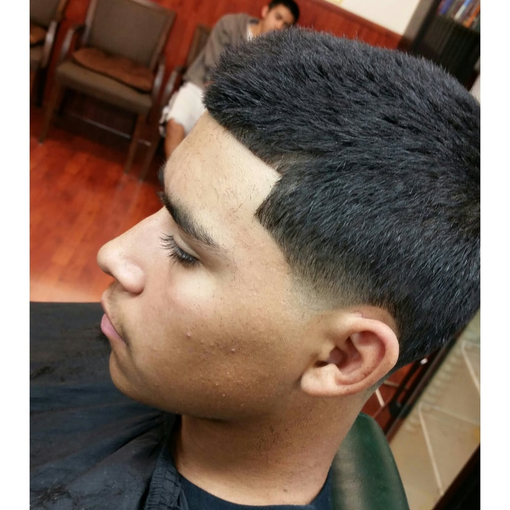 Bald Taper With Natural Lineup Haircut By Mariothebarber