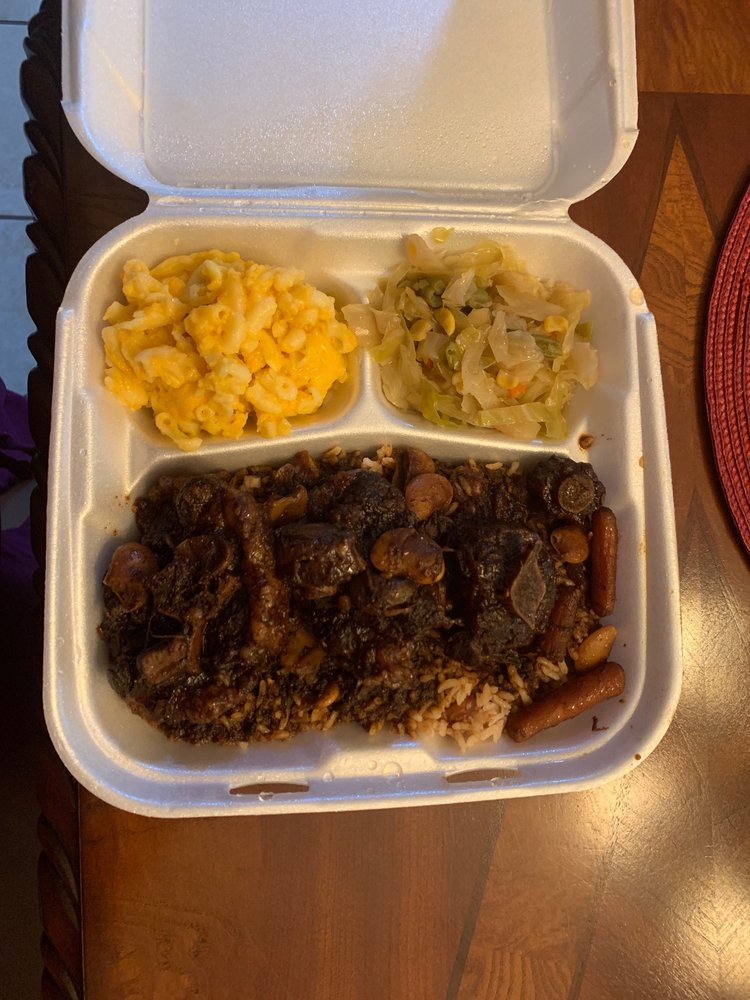 Mamee's Kitchen Authentic Jamaican Cuisine And Catering: 16583 US-280, Smiths Station, AL