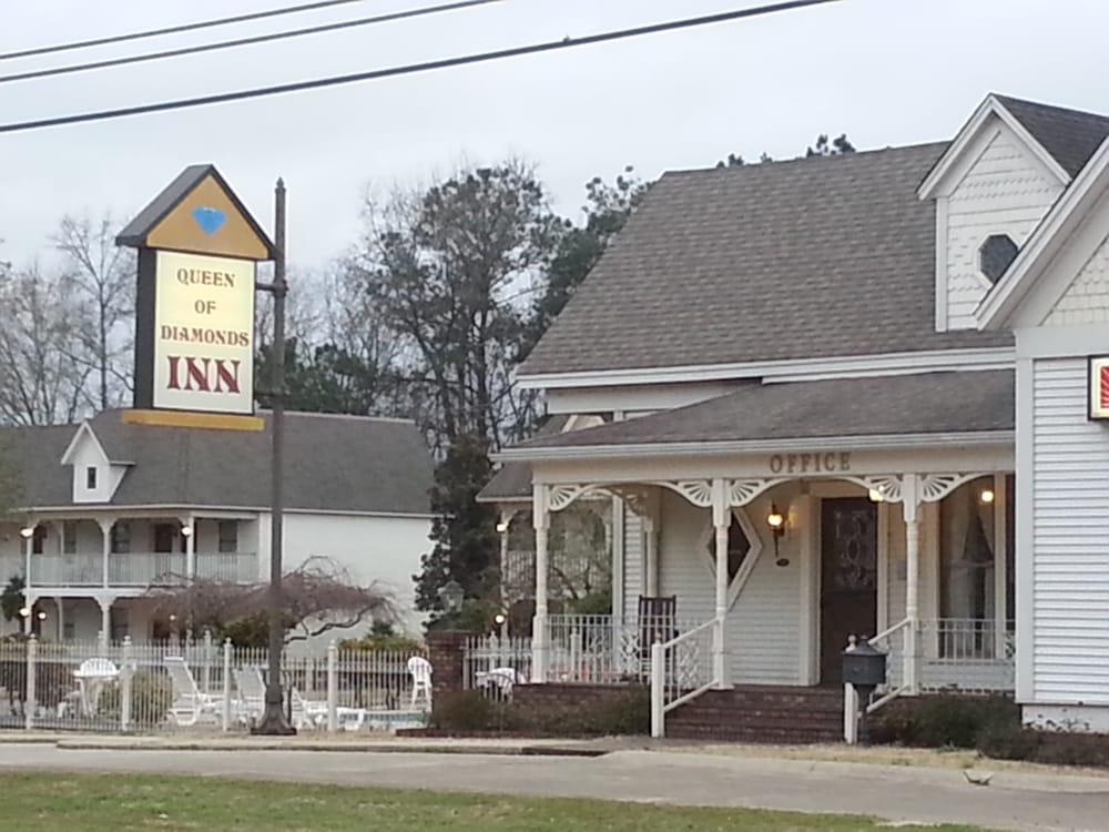 Queen of Diamonds Inn: 318 N Washington, Murfreesboro, AR