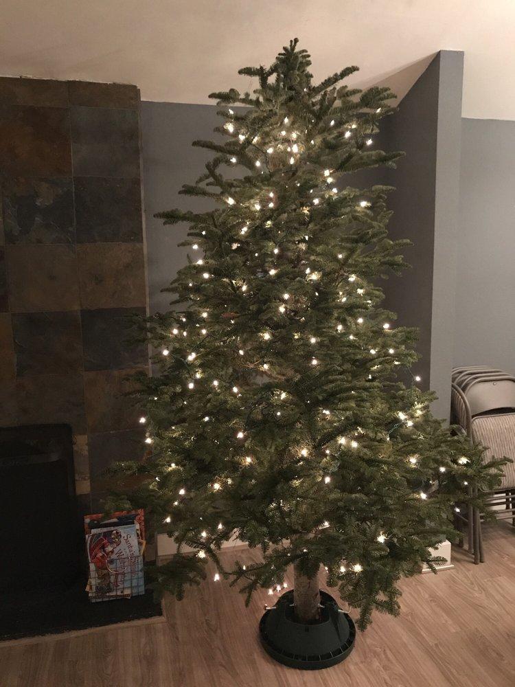 Snow Valley Christmas Tree Farm: 17651 W Snoqualmie River Rd NE, Duvall, WA