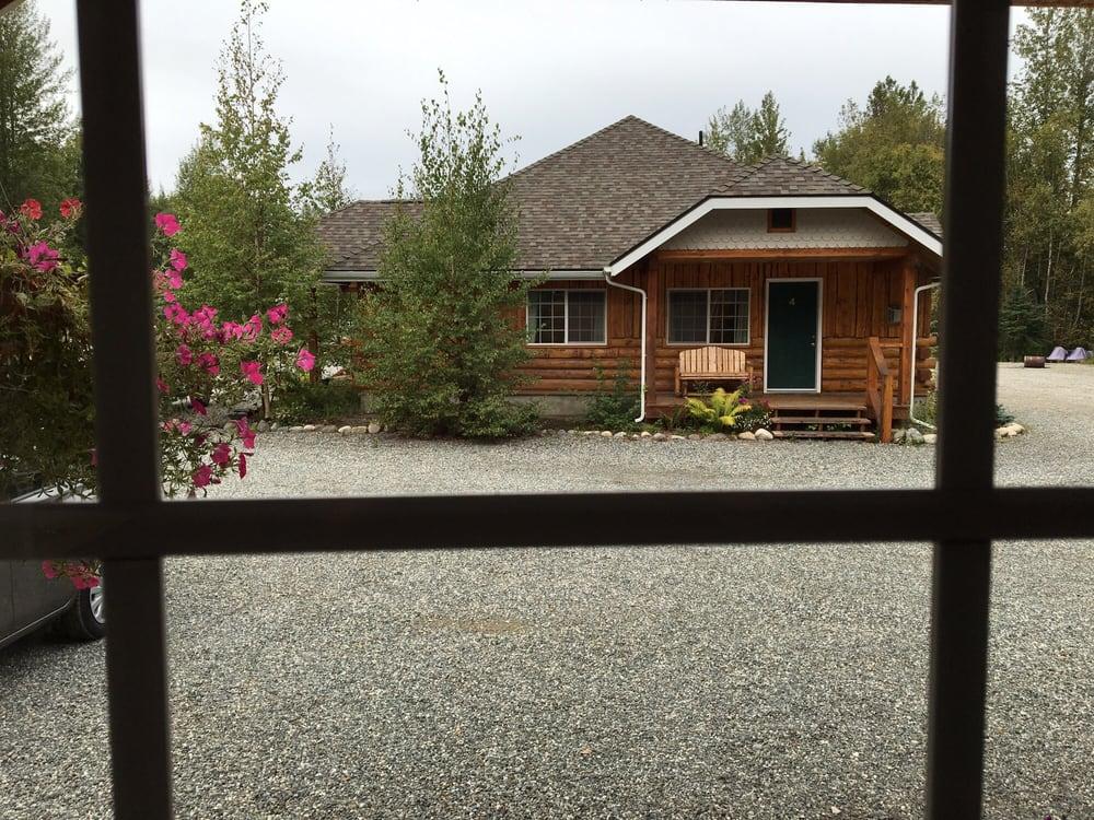 Denali Fireside Cabins & Suites: 22647 Talkeetna Spur Rd, Talkeetna, AK