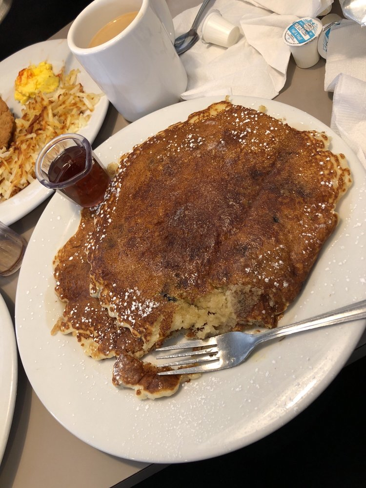 Molly Brown's Country Cafe: 13778 Hesperia Rd, Victorville, CA