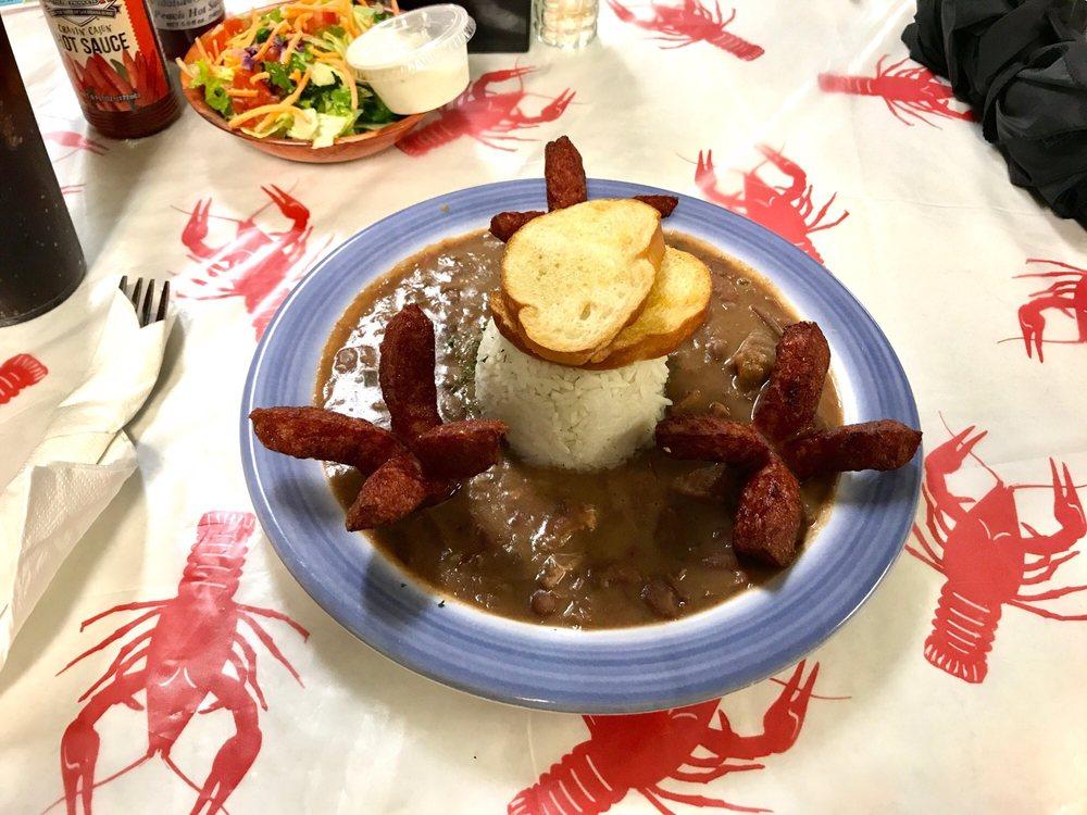 B & C Seafood Market & Cajun Restaurant: 2155 Hwy 18, Vacherie, LA