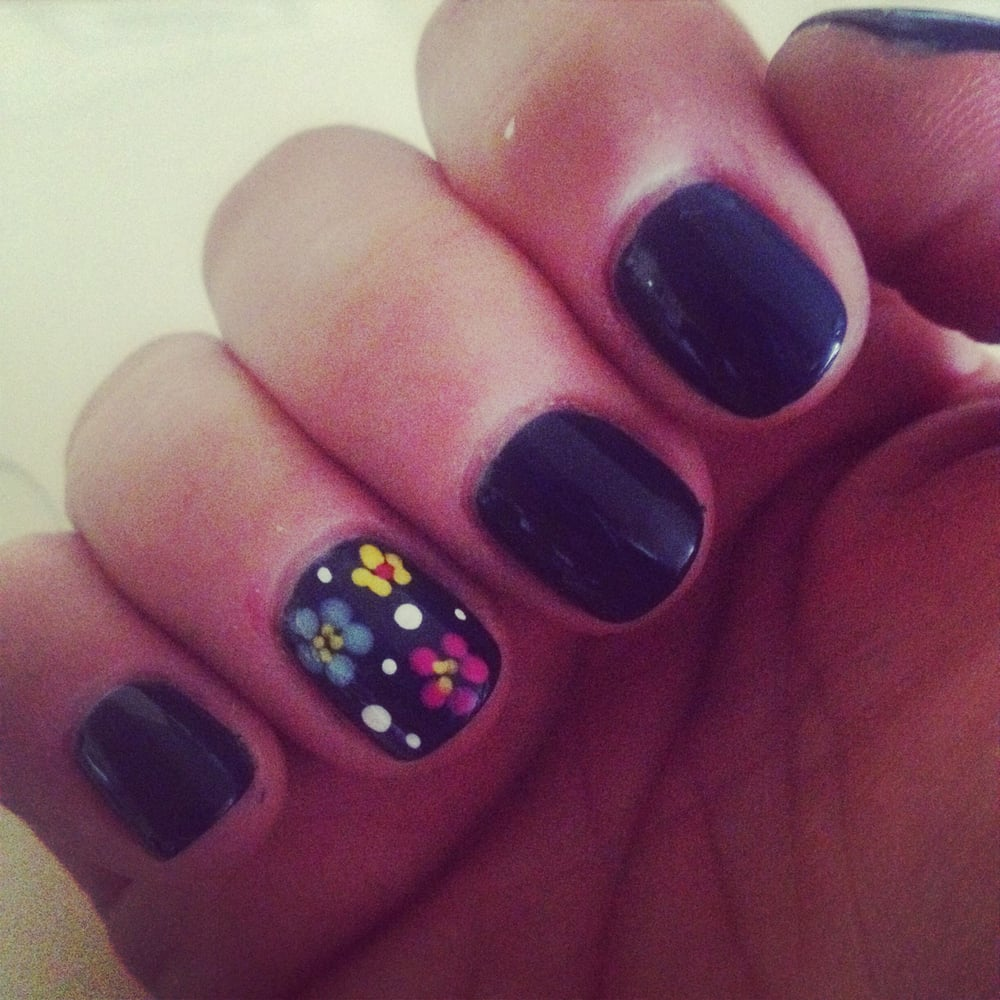 Le Nail Spa: They Can Do Anything I Want!