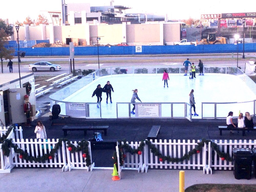Skate the Square - Ice Stars: 1900 Preston Road 267, Plano, TX