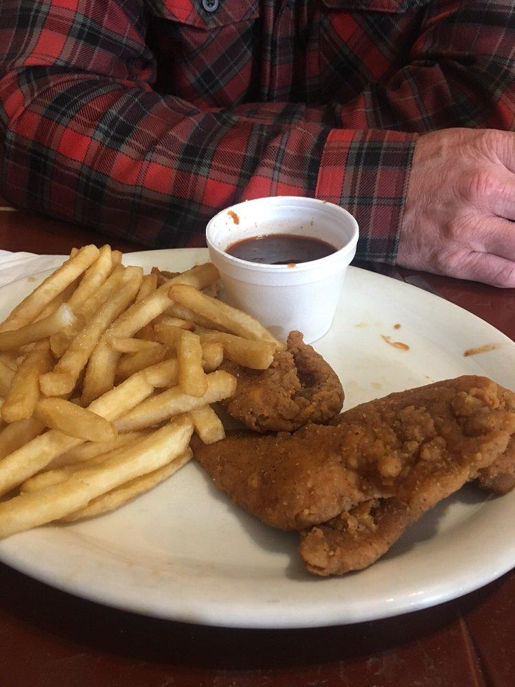 Meeker Cafe: 560 Main St, Meeker, CO