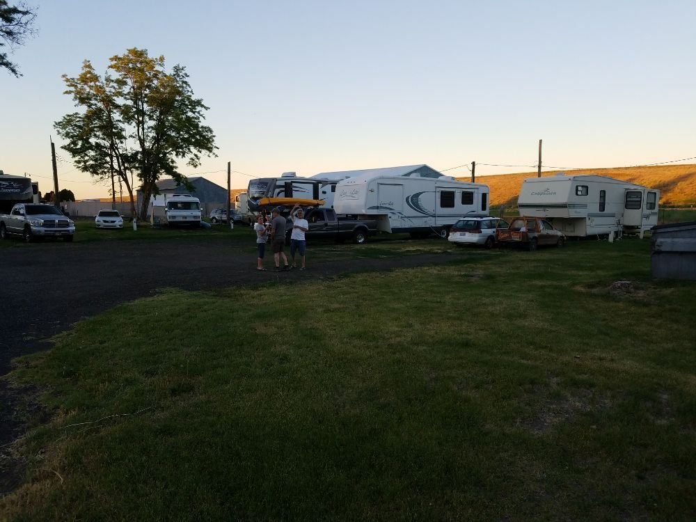 Grass Valley Rv Park: 307 N Mill St, Grass Valley, OR