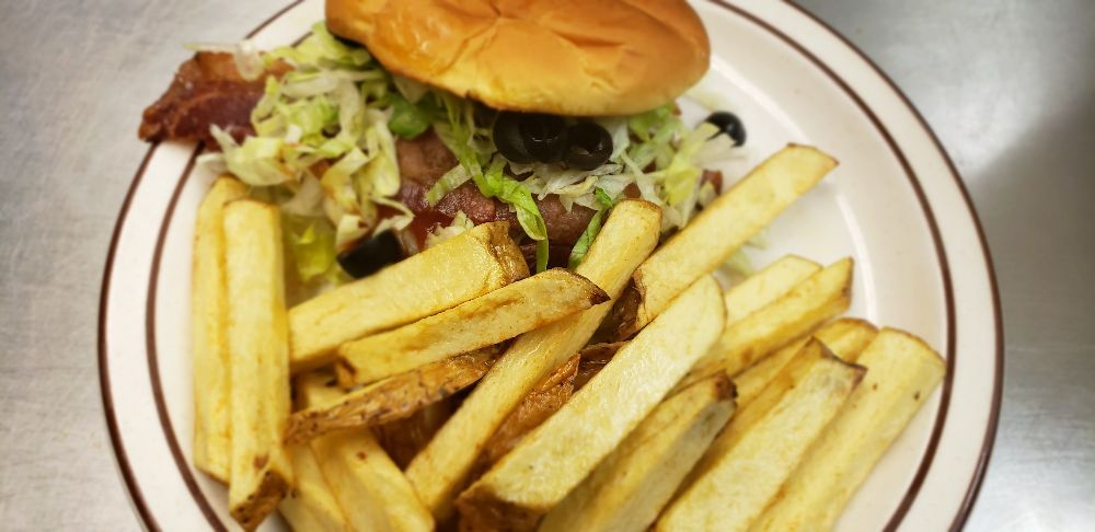 Your time cafe: 103 West Jackson St, West Unity, OH