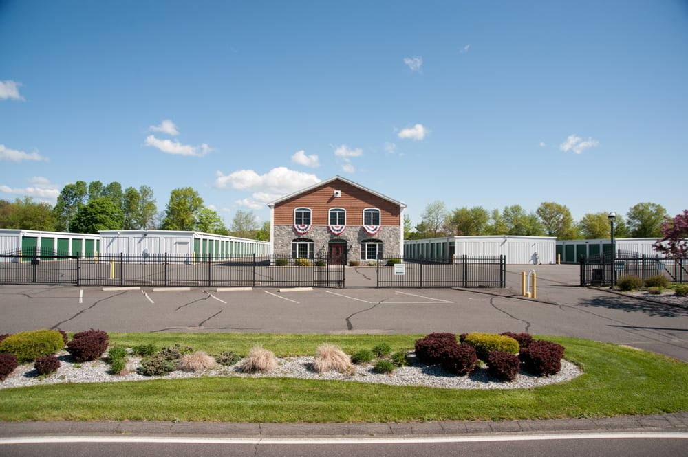 Ideal Movers & Storage: 10 Mill Valley Rd, Hadley, MA