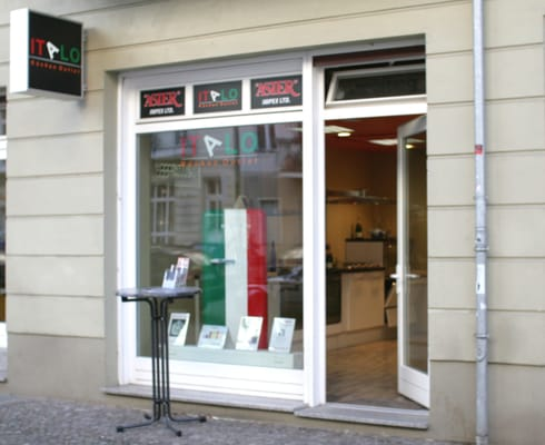 Italo kuchen outlet pavimentos sredzkistr 52 for Küchen outlet berlin